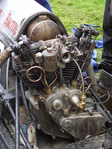 07d0e1e77f8a02b4f8d50917c8b58e28--car-engine-motorcycle-engine