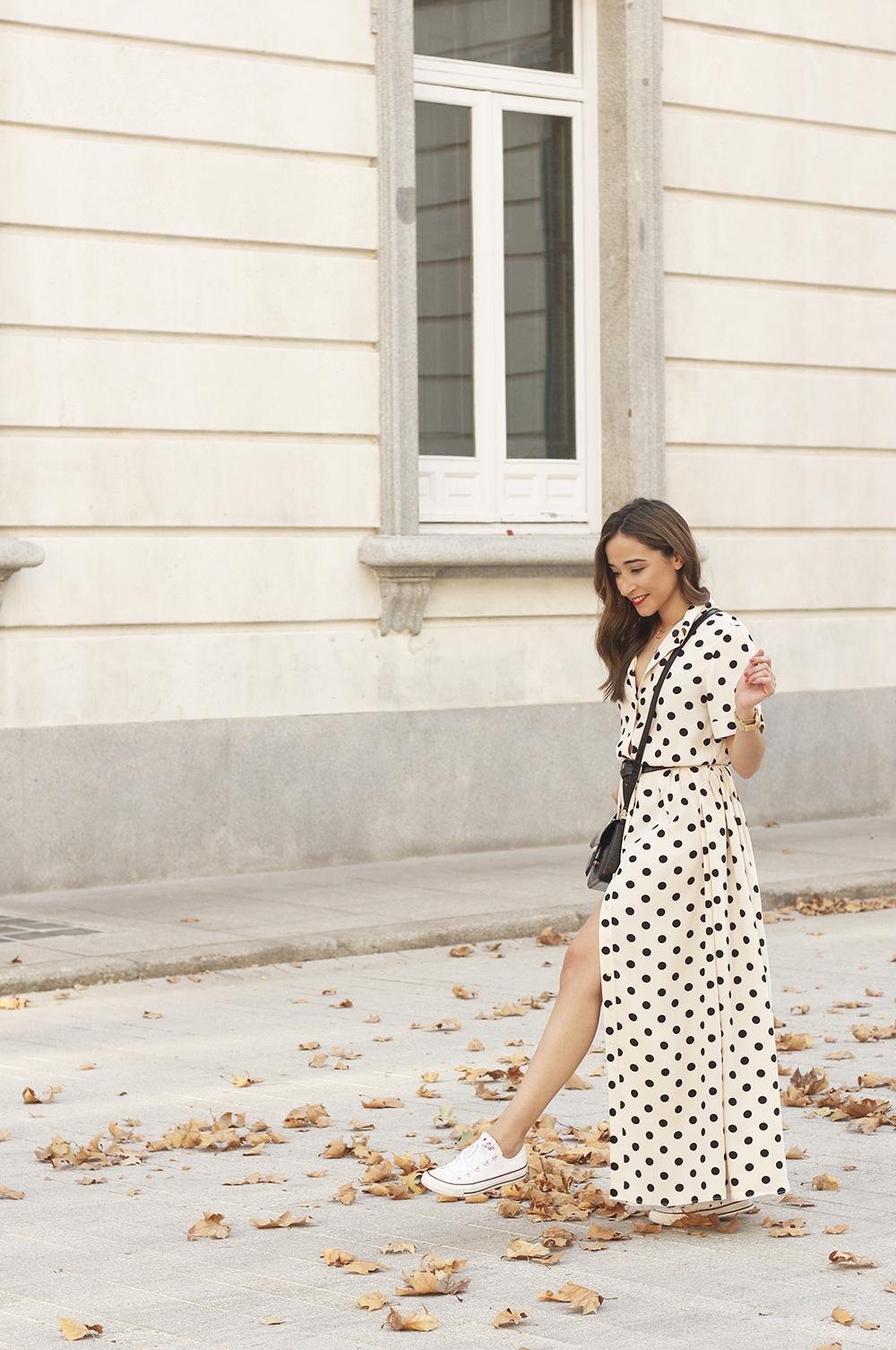 Maxi dress polka dots uterqüe converse givenchy bag summer outfit summer04