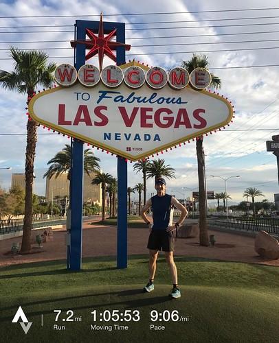 What happens in Vegas? Morning run of course. . . #strava #stravarun #run #dawnpatrol #lasvegas #lasvegasstrip #stlv #LLAP