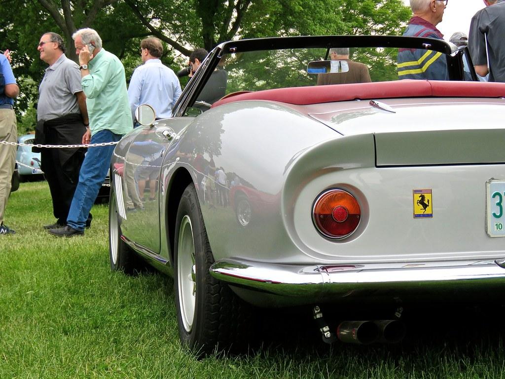 Ferrari 275 NART Spider Silver 14