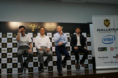 サードウェーブデジノスの田中さん、大浦さん、野口さん、顧問弁護士の皆川さん