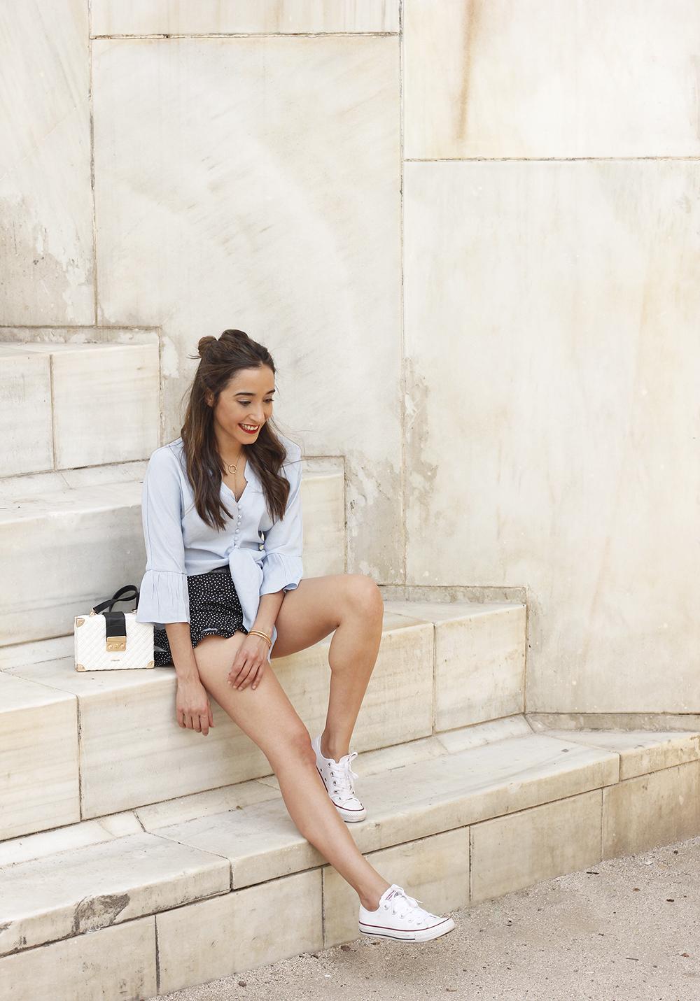 blue shirt polka dots shorts converse uterqüe style fashion summer14