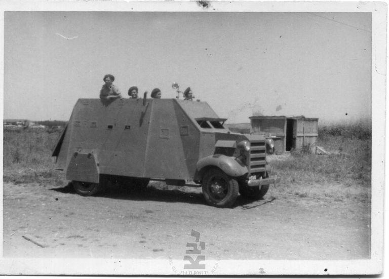Armoured-car-notrim-1939-40-ybz-1