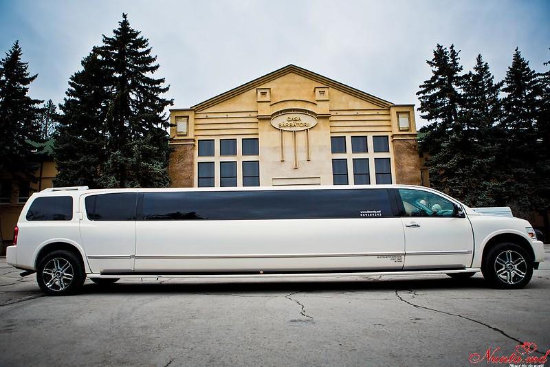 Прокат лимузинов в Молдове PrestigeLimo АКЦИЯ  50-70 евро в час > Фото из галереи `Infiniti QX56:год выпуска 2009,длина 12m,пассажиры 20`