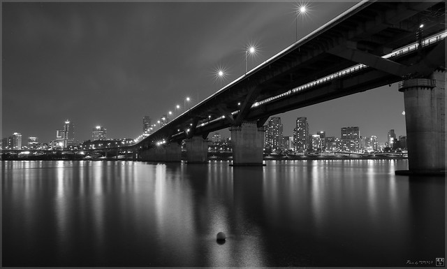 Korea, Seoul, Cheongdam Bridge