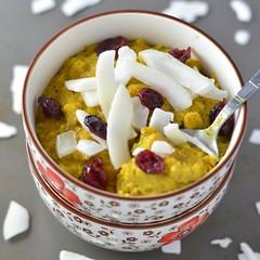 Turmeric Oatmeal (Source) VeganFoodPorn.pictures/ | Vegan Cookbooks On Sale! Like Us On Facebook | Follow Us On Twitter