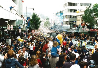 Looking from the Octagon down George Street, America's Cup Parade 2000