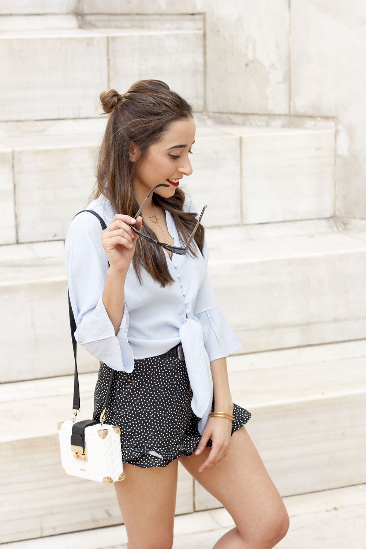 blue shirt polka dots shorts converse uterqüe style fashion summer05