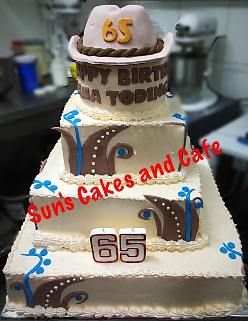 Cake by Sun's Cakes and Cafe