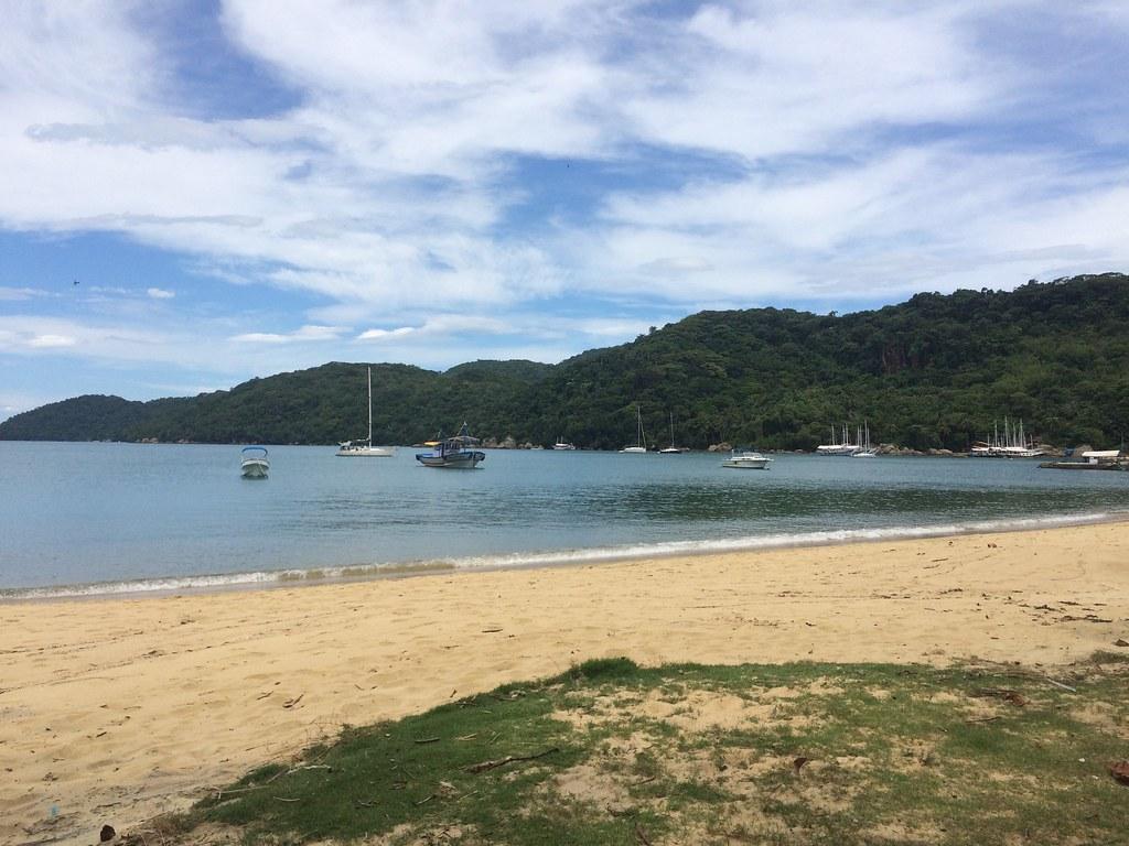 Praia Magues, Vila do Abraão