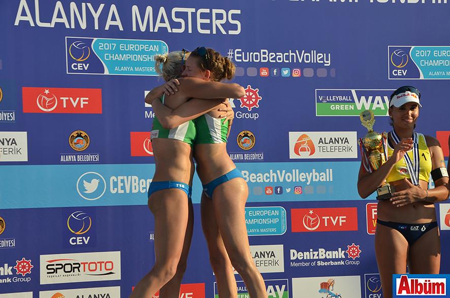 017 CEV Bayanlar Plaj Voleybolu Avrupa Şampiyonası birincileri Finlandiya'dan Taru Lahti-Liukkonen ve Anniina Parkkinen oldu.
