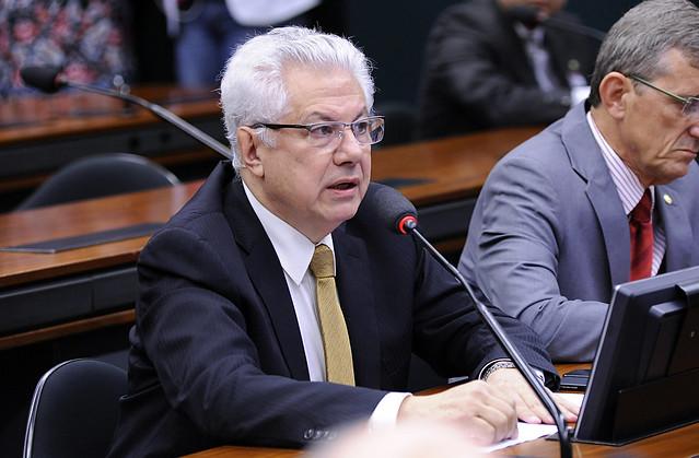 Mediação internacional deve ser priorizada na Venezuela, diz presidente do Parlasul
