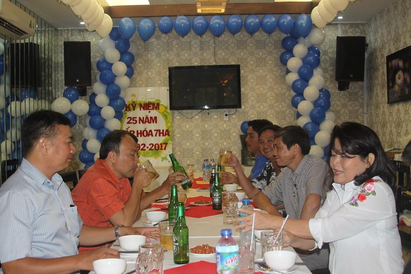 Ảnh Tiệc Chúc mừng Kỷ niệm 25 năm lớp hóa 7HA 1992-2017