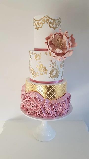 Cake by Leyara Cakes