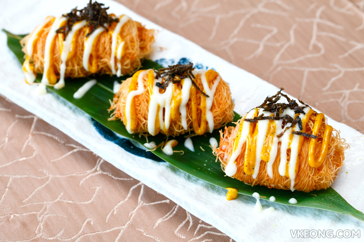 Crispy Seafood Roll with Cheese