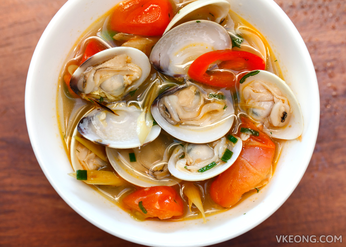 Ăn Viet  Clams in Coconut Broth