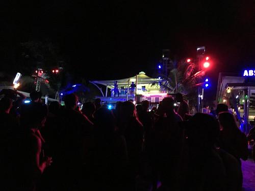 今日のサムイ島 7月15日 深夜のチャウエン - 夜遊びは少し早めから。