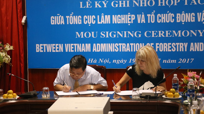 The MOU signing ceremony of Animals Asia and Vietnam Administration of Forestry