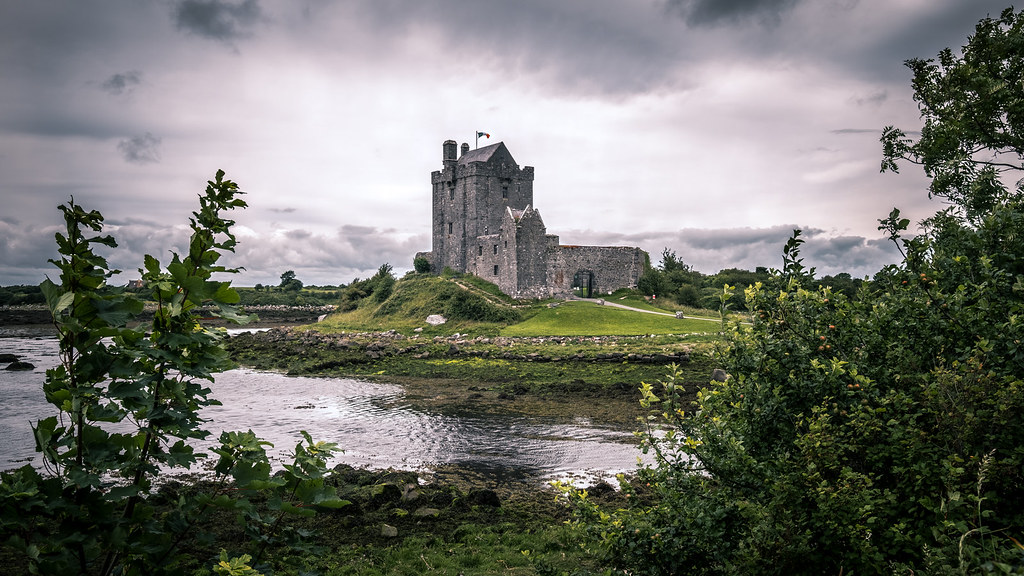 Dunguaire Castle, Kinvara, Ireland picture