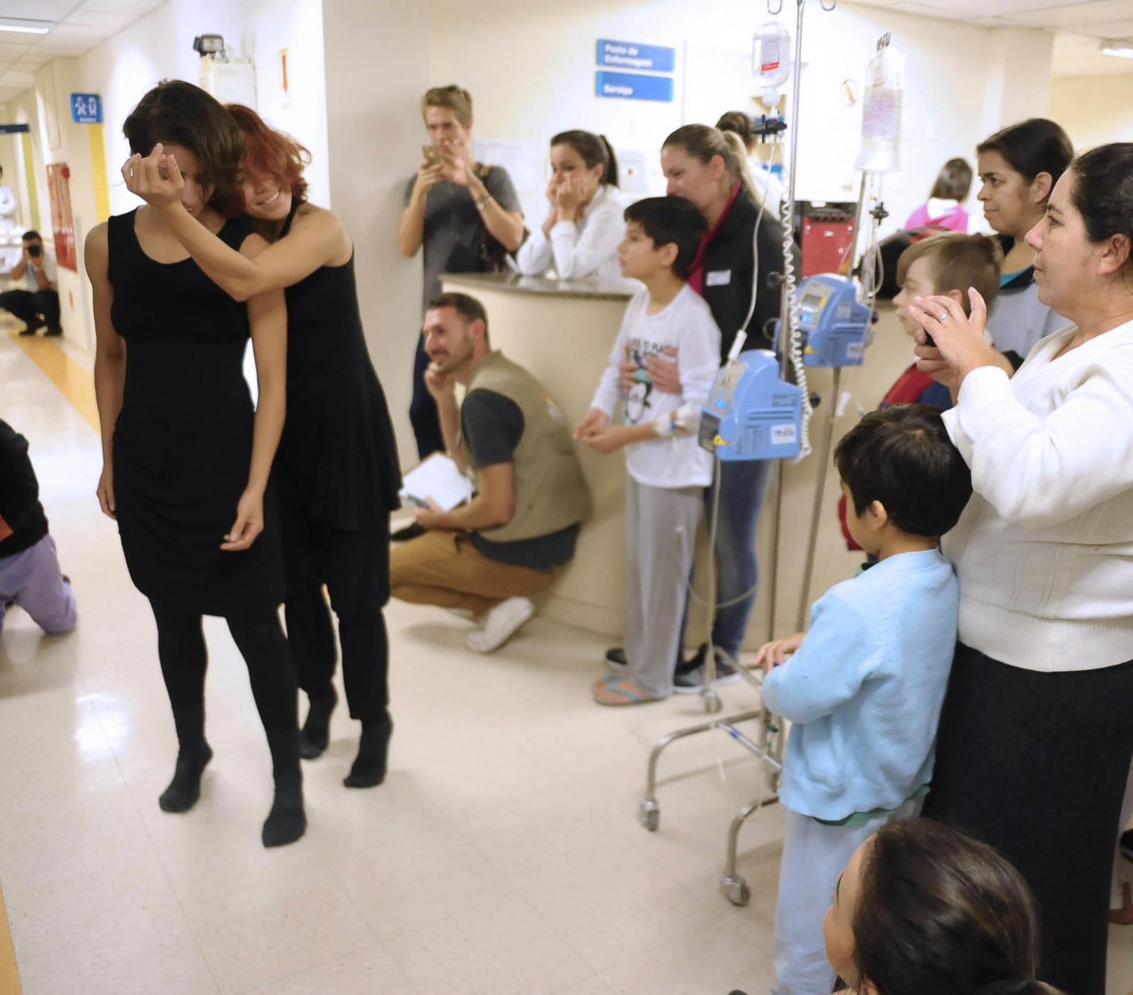 Visita ao Hospital Infantil Dr. Jeser Amarante 24.07.2017 - 35º Festival de Dança de Joinville
