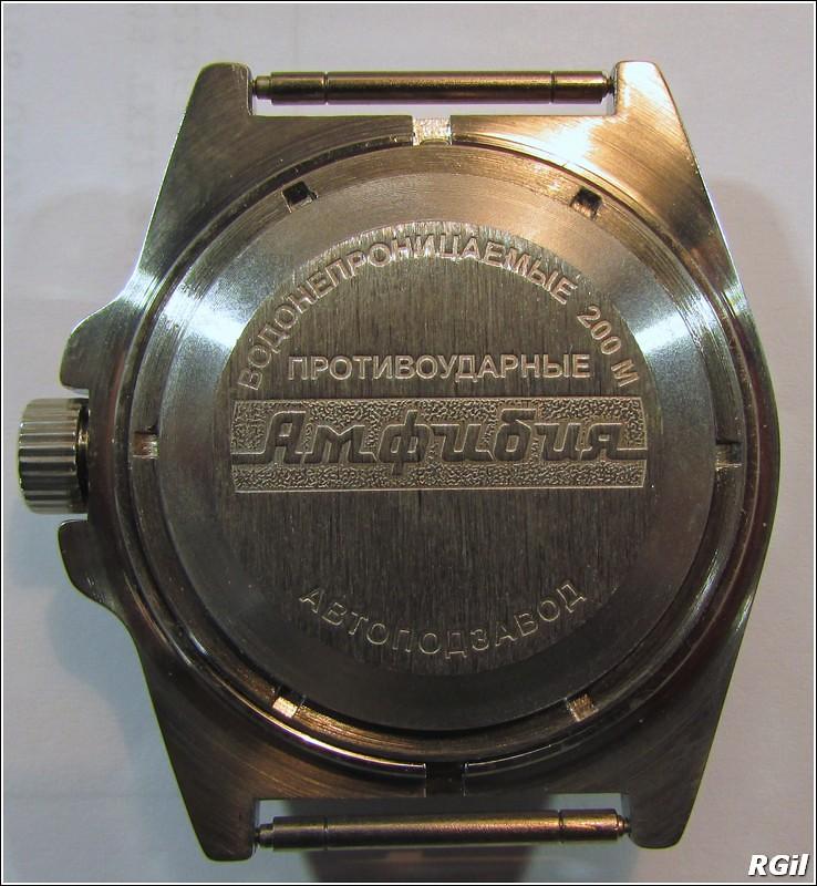 Ce qu´il y a dedans d´une Vostok Amphibia, avec des photos. 35169293893_cc998f297b_b