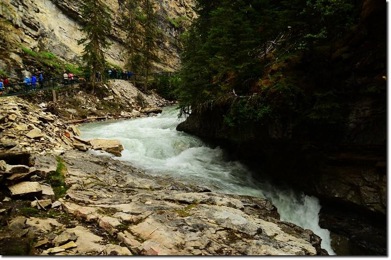 Johnston Canyon Trail (5)
