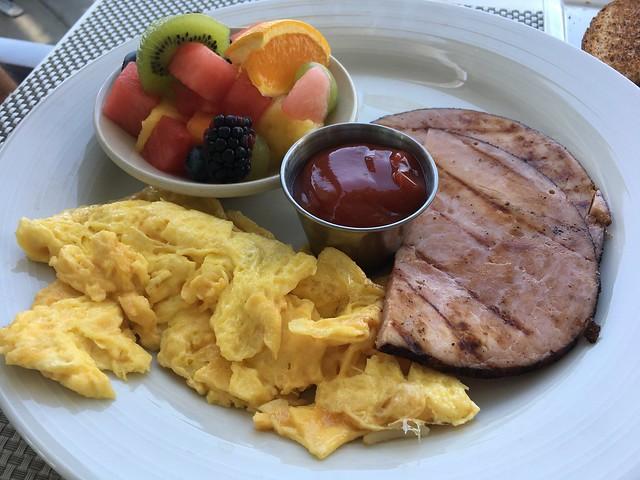 Classic breakfast - Escena Lounge & Grill