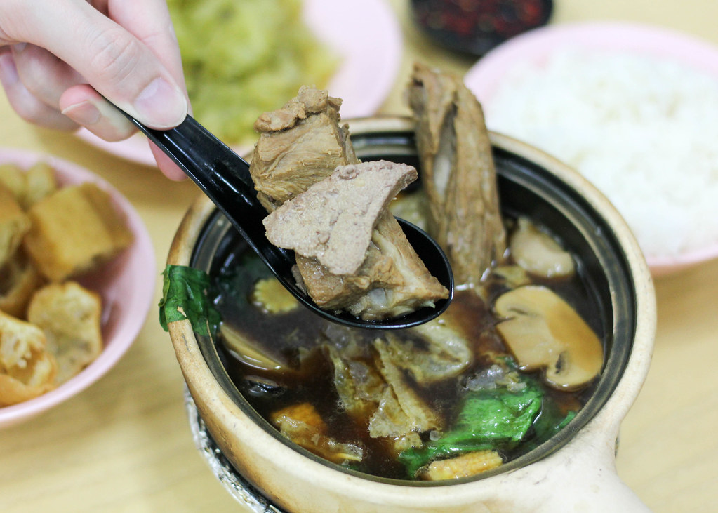 Supper Spots in the East: Sin Heng Claypot Bak Koot Teh