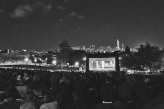 Film Night in the Park - Dolores Park Austin Powers movie ending bw