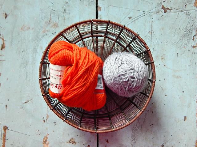 оранжево-серые носки, пряжа | orange and grey yarn for future socks