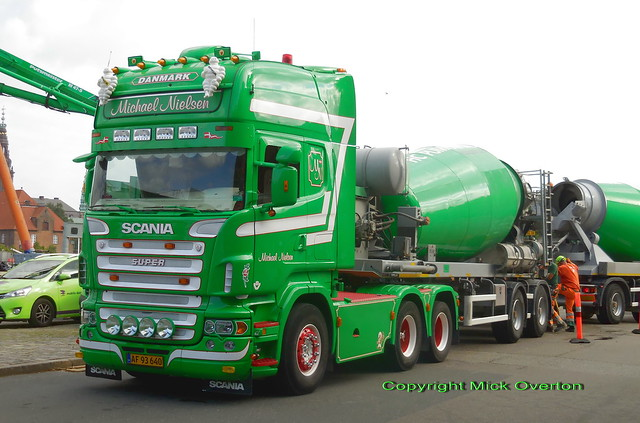 Scania V8 articulated concrete, Nikon COOLPIX S6800