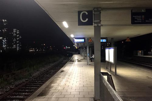 01 - Am S-Bahnhof München