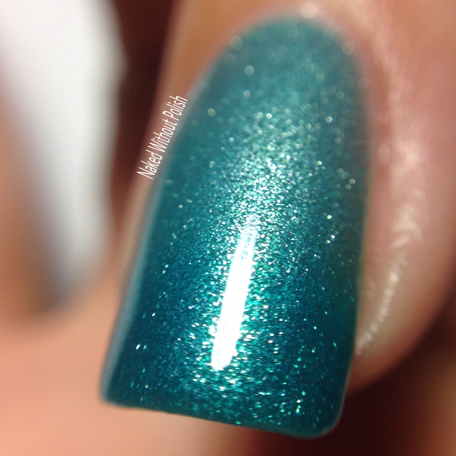 Le-Chat-Nails-Glistening-Waterfall-6