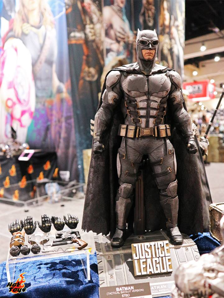 Hot Toys Tactical Batman Justice League SDCC2017
