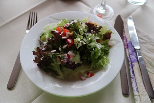 Salatteller (in der Fischerhütte Edwin in Ginolfs)