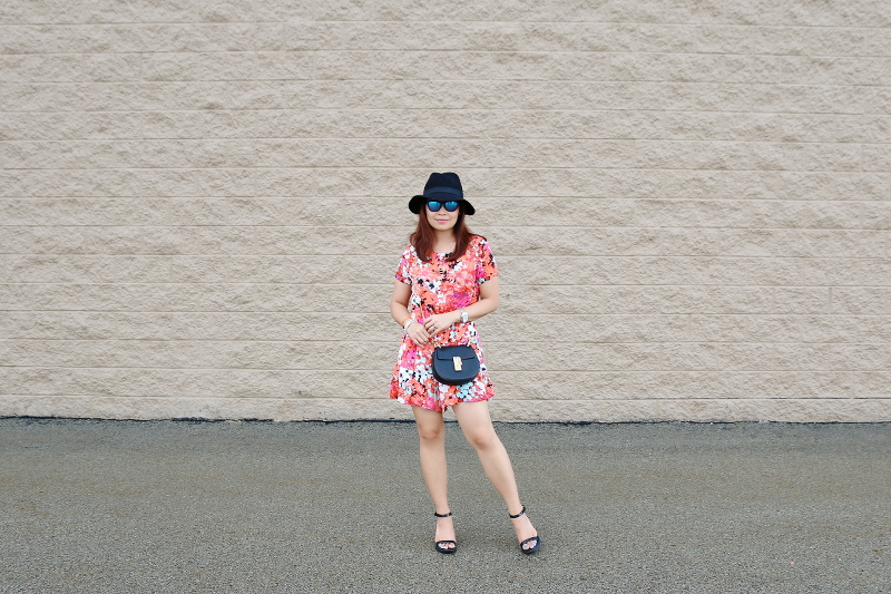 floral-romper-black-floppy-hat-chloe-bag-3