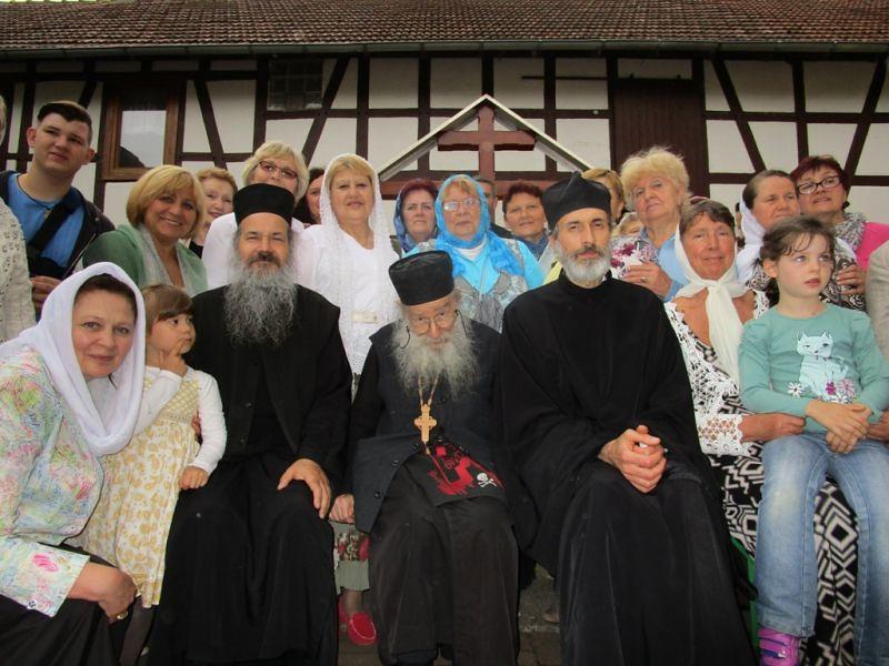 Схиархимандрит Василий (Гролимунд) с паствой