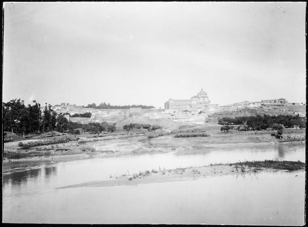 Vista de Tavera desde la Playa de Safont hacia 1906. Fotografía de Charles Fournier © Fototeca del IPCE, MECD. Signatura MOR-002_P