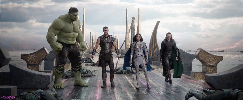 Thor Ragnarok Trailer 2 Screengrab Group Front