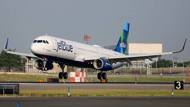 "N980JT | Airbus A321-231/W | jetBlue Airways ""Taking a Menta Health Day"""