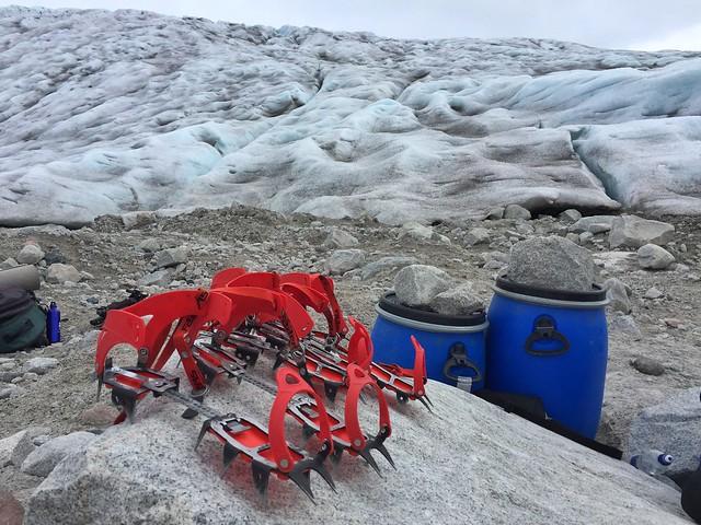 Crampones en el glaciar Qaleraliq (Groenlandia)