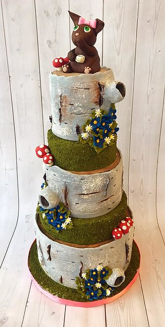Cake by Confections of a Cake Lover