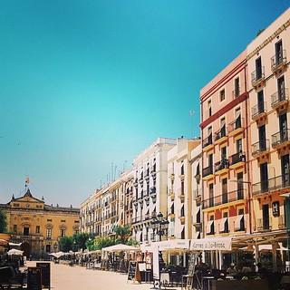Perspectiva de pel·lícula de la plaça de la Font, aixecada sobre l'antic circ romà de Tàrraco (Foto de @nancydekeersmaecker71)