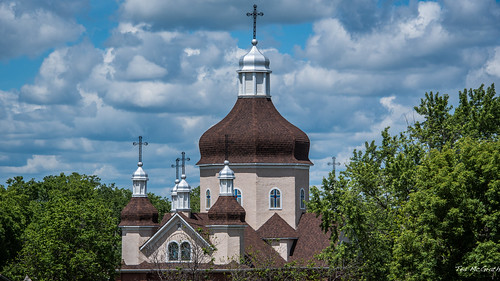 2017 canada cropped nikon nikond750 nikonfx tedmcgrath tedsphotos vignetting manitoba ukrainianorthodoxchurchbrandon brandonmanitoba church churchdome cross