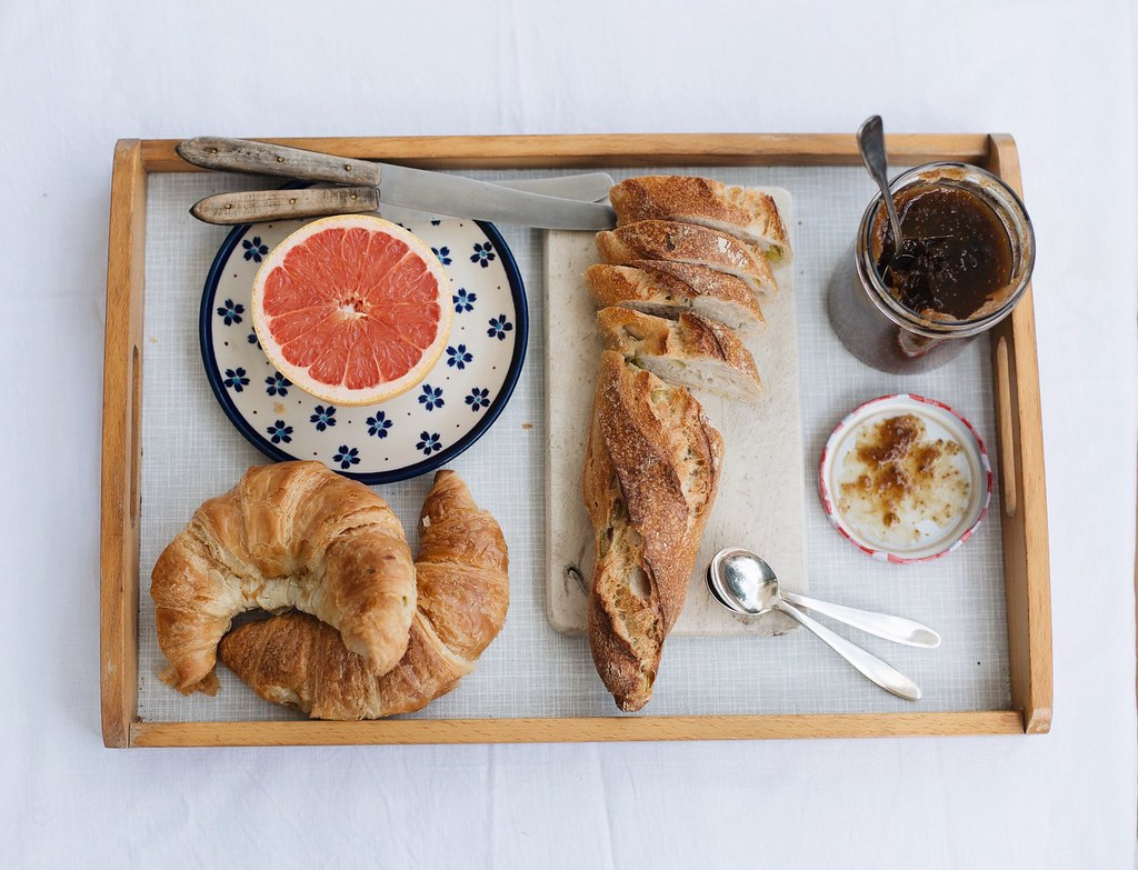Breakfast with fig marmelade, Visual Diary on The Curly Head, a Blog from Munich, Photography by Amelie Niederbuchner