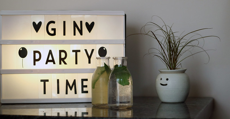 Gin Party Time Lightbox