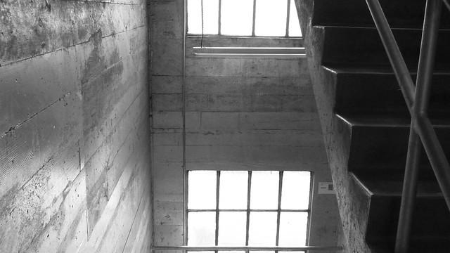 A15147 the silver stairwell, Panasonic DMC-FZ47