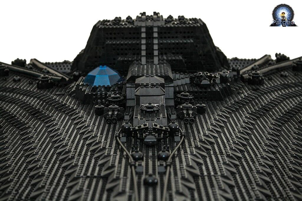 [MOC]: Destiny - Starship from Stargate Universe 36007838695_cb967965aa_b
