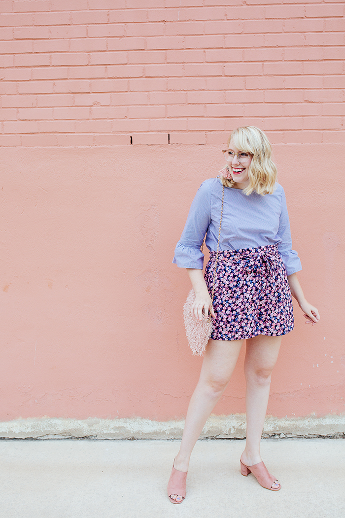 austin fashion blogger writes like a girl bell sleeves floral shorts2