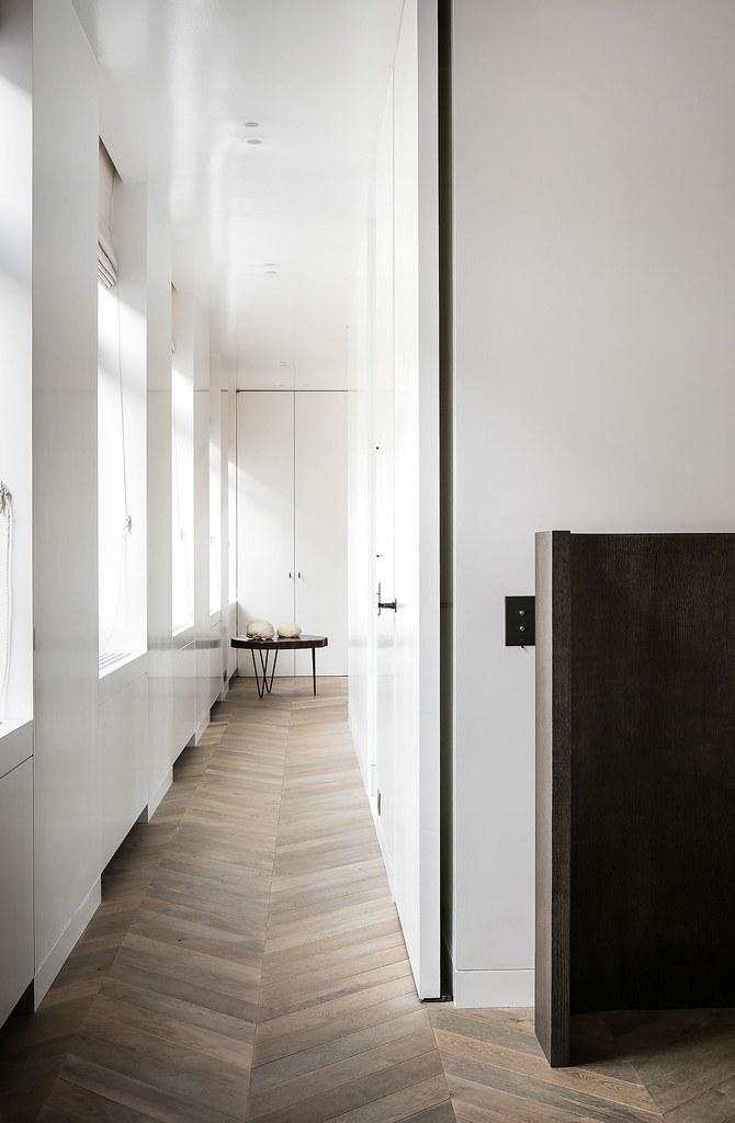 Monochrome home design in Antwerp by Brussels-based architect Nicolas Schuybroek Sundeno_09